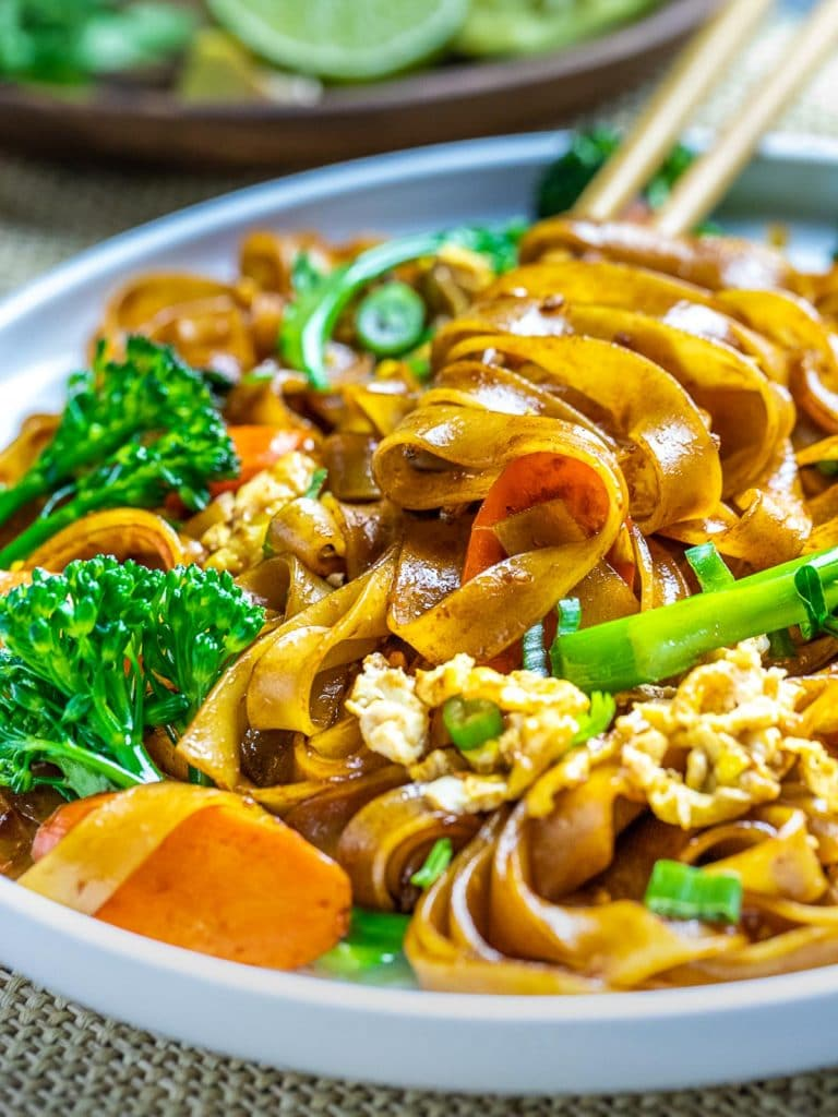 pad see ew thai noodles with broccoli and carrots