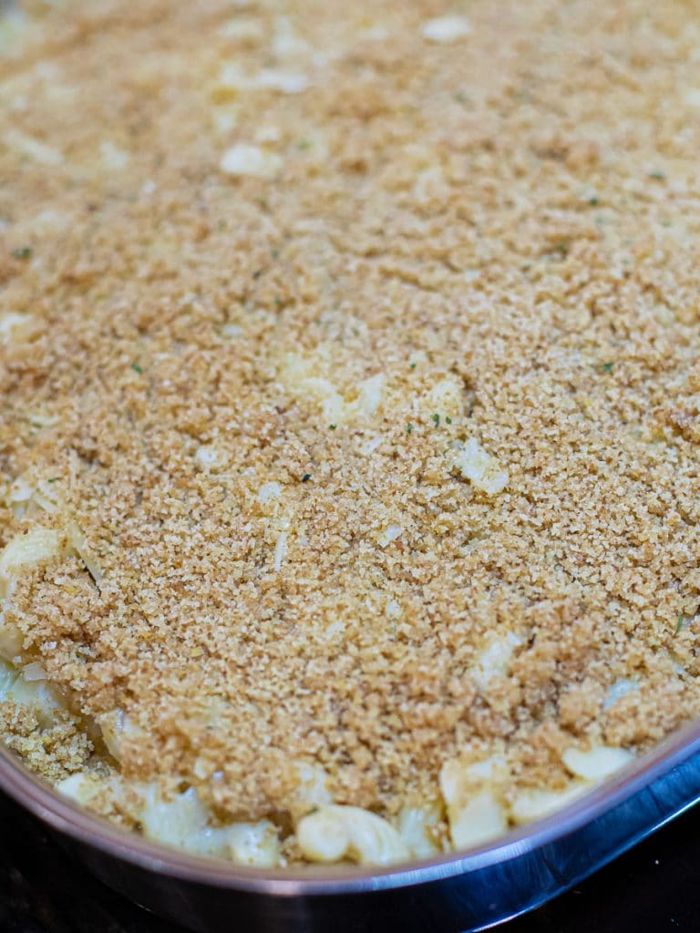 breadcrumbs on top of mac and cheese