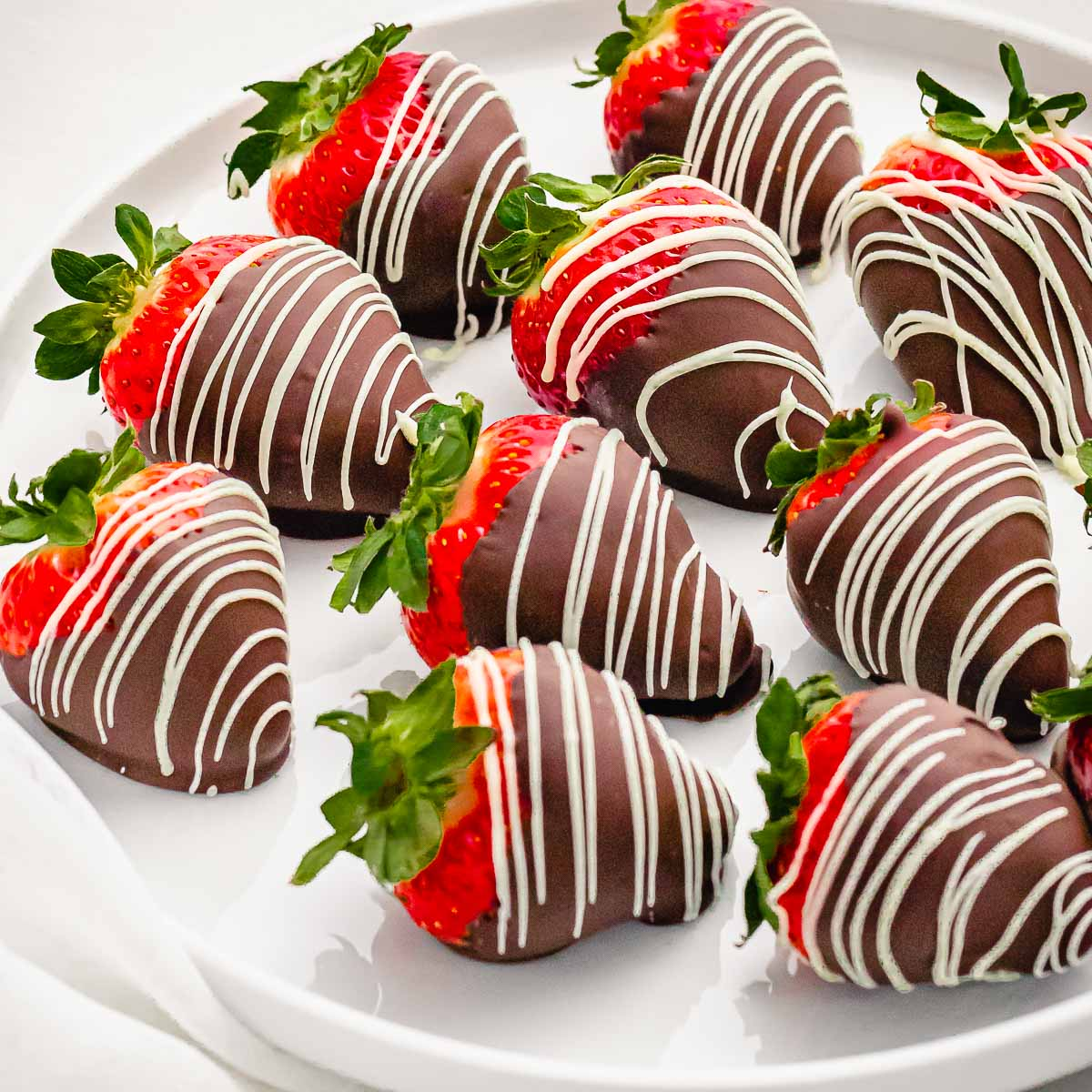 Easy Chocolate Covered Strawberries Drive Me Hungry